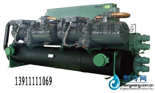 冷水机组是以多台压缩机并联工作的形式优化了冷水机组的工作结构